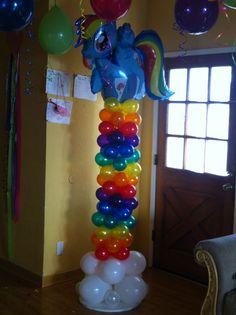 My Little Pony rainbow balloon column. Rainbow Dash Party, Rainbow Parties, Rainbow Birthday Party, 6th Birthday Parties, Birthday Party Decorations, My Little Pony Balloons, My Little Pony Decorations, My Little Pony Birthday Party, Sparkle Party