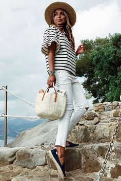casual fashion women 436 best casual fashion out Womens Fashion Casual Summer, Womens Fashion For Work, Look Fashion, Spring Summer Fashion, Fashion Women, Latest Fashion, Estilo Casual Chic, Casual Chic Style, Marine Look