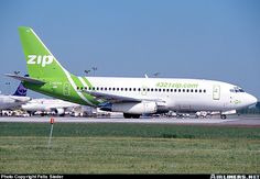 ZIP Airlines (Canada) Boeing 737-217/Adv