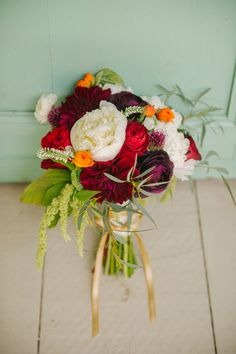 autumn bouquet // photo by Catherine Guidry // http://ruffledblog.com/southern-charm-wedding-ideas