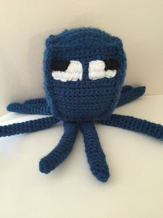 Speedily swimming in is a new pattern for a Minecraft squid! – Hook Stitch Sew Minecraft Crochet Patterns, Minecraft Pattern, Minecraft Knitting, Minecraft Toys, Minecraft Crafts, Minecraft Creations, Crochet Toys, Free Crochet, Crochet Baby