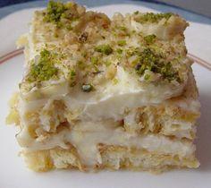 Pastanın kreması için tarifteki krema yerine arkadaşım Canan'dan aldığım krema tarifini kullandım, çok lezzetli bir krema oldu. Po...