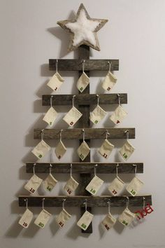 A Keepsake Christmas Decoration! Wall Mounted Advent Calendar perfect for a Rustic Christmas. Wall Mounted Advent Calendar perfect for a Rustic Christmas. Cool Advent Calendars, Diy Advent Calendar, Calendar Wall, Advent Calendar Ideas For Adults, Homemade Advent Calendars, Advent Ideas, Advent Calenders, 2019 Calendar, Rustic Christmas