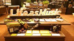 誠品信義音樂館以Life as Music為概念打造全新店型,推出「策展人生X閃靈樂團Freddy主題展