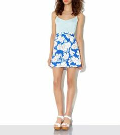 This flounce shaped skirt looks striking against a pastel cami. Team with white wedges for the perfect poolside look. Summer Outfits, Cute Outfits, Summer Dresses, Floral Clothing, White Wedges, Cute Fashion, Summer 2014, Short Skirts, Pastels