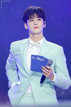 [180512] #아스트로 #ASTRO #은우 #EUNWOO @DreamConcert Cha Eun Woo, Korean Celebrities, Korean Actors, Park Jin Woo, Cha Eunwoo Astro, Lee Dong Min, Kdrama Actors, Sanha, Handsome Boys