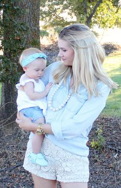 The Anna is sweet and pretty and simply, the most functional necklace you'll ever wear! This teething necklace is not only perfect for mothers with teething babies, but also grandmas, aunts, god-mothe