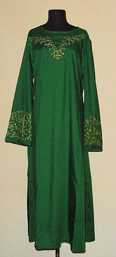 Gowns Pagan Wicca Witch:  A green, embroidered ritual robe.