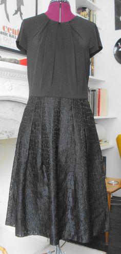 ANNE KLEIN BLACK DRESS ~ BROCADE BOX PLEAT SKIRT, FITTED BODICE ~ 10 | eBay