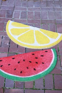 DIY: fruit welcome mats