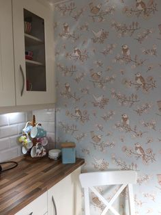 Kathryn Whitehead, United Kingdom - My kitchen looks beautiful, using your Sugartree wallpaper has given the perfect finishing touch! Thankyou!