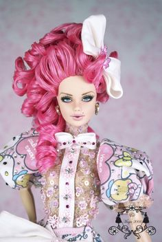 Creations, specializes in one-of-a-kind doll designs, formed by fashion designer, Mario Paglino and graphic art director, Gianni Grossi. Barbie Skipper, Barbie And Ken, Diy Fashion, Fashion Dolls, Fashion Design, Barbie Hair, Hair Jewelry, Jewellery, Fantasy Costumes