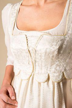 Gössl Online-Shop - Anna Plochl Hochzeitskleid - Braut - Hochzeit Folk Costume, Costumes, Fairytale Fashion, Anna, Ruffle Blouse, My Style, Lace, Stuff To Buy, Tops