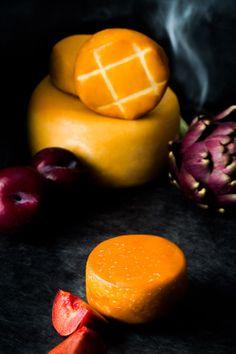 """geräucherter ziegenkäse von den waldviertler käsemachern ... smoked goat cheese from austrias artisan cheese manufactury """"die käsemacher"""" styling & photography sandratauscher.com"""