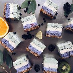7 отметок «Нравится», 1 комментариев — RAW торты без сахара и муки! (@therawlands) в Instagram: «Кому сет нереальных пирожных?😋 В наборе представлены такие вкусы: - Черника/ваниль/шоколад -…»
