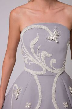 62 Ideas for bridal couture embroidery dress styles Couture Details, Fashion Details, Fashion Design, Couture Embroidery, Embroidery Dress, Beaded Embroidery, Hand Embroidery, Black Tie Wedding, Couture Collection