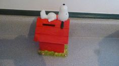 Peanuts Dog House Bank--Snoopy laying on the roof of his dog house
