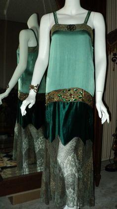 1920's Fashion - Emerald Silk Velvet Floral Metallic Lace