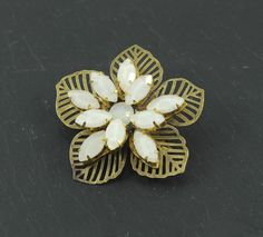 Great gift for vintage lovers. Romantic Brooches – White flower brooch, style vintage – a unique product by Nymphea via en.DaWanda.com