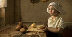 (TruthSeekerDaily) Don't worry, this isn't any Toddlers & Tiaras stuff we're talking about. Instead of glitter and spray tans, this five year old little girl gets transformed into actual works of art. Australian photographer Bill Gekas draws his inspiration from classics like Vermeer and Rembrandt (as well as the occasional modern pop culture reference), then…