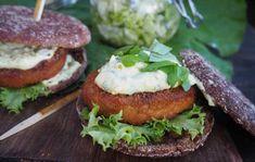 Lähikalaburgeri Salmon Burgers, Sandwiches, Ethnic Recipes, Food, Salmon Patties, Essen, Paninis, Yemek, Meals