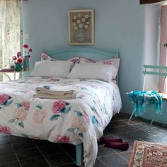 Bedroom design. Beach Themed Bedrooms design ideas with picture: french country bedroom styles for young women ~ tapja.com