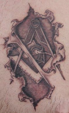 Do you know masonic tattoo designs? Here are the top 9 Masonic tattoo designs that you should definitely try out. Masonic Tattoos, Freemason Tattoo, Freemason Symbol, Masonic Art, Masonic Symbols, Masonic Lodge, Hiram Abiff, Maya, Wicked Tattoos