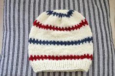 Lindas Lantliga: Mönster på begäran. Knitted Baby Clothes, Knitted Hats, Pioneer Gifts, Knit Crochet, Crochet Hats, Baby Barn, Knitted Animals, Drops Design, Baby Knitting Patterns