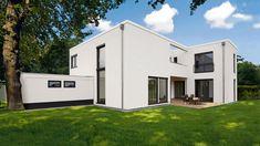 Bauhaus weiß, weiträumig, wohnlich. Dass weniger durchaus mehr sein kann, beweist dieses Familiendomizil im Bauhausstil. Moderne Architektur, hoch, licht und maßgeschneidert für eine vierköpfige Familie, dabei überaus funktional und höchst komfortabel. Eine über fünf Meter hohe Wohnhalle, kommunikatives Zentrum des gelungenen Entwurfs, unterstreicht das Prinzip des offenen Wohnens.   #HAACKEHAUS #Bauhaus #modern #housegoals #house #home #stil