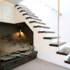 Bed under stairs, we have room for this at the beach house!!!