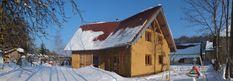 Autoconstruction écologique d'une maison en paille et ossature bois.