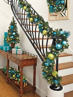 Battery-Powered LED Garland with Timer - Holiday Collection | Solutions