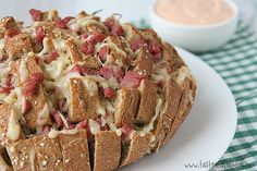 Reuben Pull Bread Recipe Lunch and Snacks, Breads with rye bread, sauerkraut, corned beef, shredded swiss cheese, sour cream, ketchup, relish Thousand Island Dressing, Pull Apart Bread, Casserole Recipes, Rueban Casserole, Beef Recipes, Easy Bread Recipes, Copycat Recipes, Cooking Recipes, Apple Recipes
