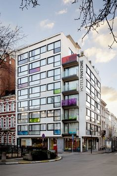 Como parte do projeto Pantone Universe, a Pantone materializou um hotel incrível e colorido em Bruxelas, na Bélgica.