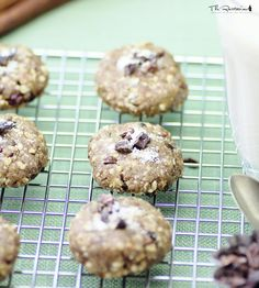 The Rawtarian: Raw peanut butter chocolate chip cookie recipe