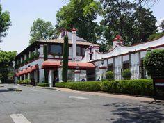 cdmx haciendas - Búsqueda de Google Mansions, House Styles, Google, Home Decor, Environment, Mexican, Haciendas, Waterfalls, Exhibitions