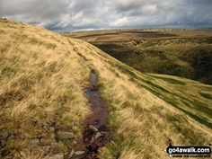 Walk Picture/View: Sunshine on The Pennine Way on Black Chew Head (Laddow Rocks) looking towards Black Hill (Soldier's Lump) in The Peak District, Derbyshire, England by Simon Jacks (30)