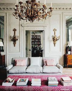 Lovely and elegant Parisian chic decor with beautiful vintage pieces