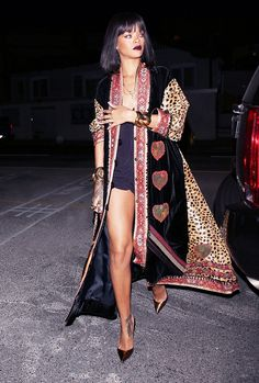 Rihanna in Statement Coat.Flirty Playsuit Rihanna in a vintage Moschino Couture coat and Christian Louboutin shoes. Rihanna Outfits, Style Rihanna, Looks Rihanna, Rihanna Mode, Rhianna Fashion, Rihanna 2014, Rihanna Riri, Party Looks, Glamour