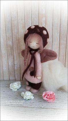 Art doll / figurine / ooak / petite fée en laine feutrée vieux
