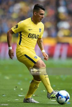 Cristian Pavon of Boca Juniors drives the ball during a match between Boca Juniors and Belgrano as part of Superliga at Alberto J. Armando Stadium on October 2017 in Buenos Aires, Argentina. Neymar, Soccer Guys, Football Players, Justin Bieber, October 29, Sporty, Rey, Squad, Wallpapers