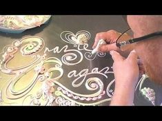 ▶ HOW TO WRITE / PIPE LETTERS CAKE DECORATING WRITING TECHNIQUES PIPING BUTTERCREAM ROYAL ICING - YouTube #cakedecoratingtechniques