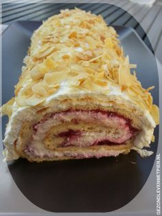 Zwitserse rol koolhydraatarm, suikervrij LCHF, Broodbuik Sugar Free Recipes, Low Carb Recipes, Baking Recipes, Healthy Baking, Healthy Snacks, Just Desserts, Delicious Desserts, Biscuits, Good Food