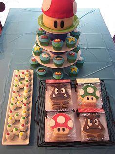 Super Mario Treats for my son. Truffles, Cookies, Mini Cake and Cupcakes Super Mario Birthday, Mario Birthday Party, Super Mario Party, Boy Birthday, Birthday Ideas, Mario Kart, Mario Bros., Mario And Luigi, Cupcakes Super Mario