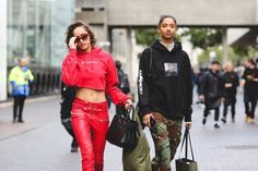 The Best Street Style At London Fashion Week SS18 #refinery29 http://www.refinery29.uk/2017/09/170850/street-style-london-fashion-week-ss18#slide-47