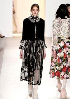 Sfilata BLUGIRL • Milano Moda Donna F/W 2016/2017