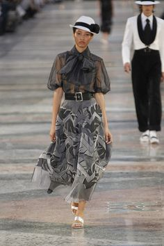 Chanel, Look #3