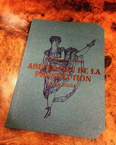 음..번역하자면 '19세기 매춘대백과' 그치만 별로 안야한건 함정 #paris #muséedeorsay #bookthif by j_hassang
