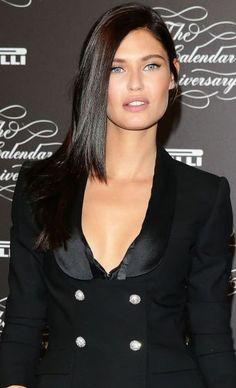 Bianca Balti: qual estilo de cabelo fica mais bonito na modelo? Preto monocromático ou mechas californianas?