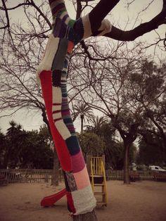 Parque de la Ciudadela - Barcelona - España - Urban Knitting - Árbol - Tejido - Crochet